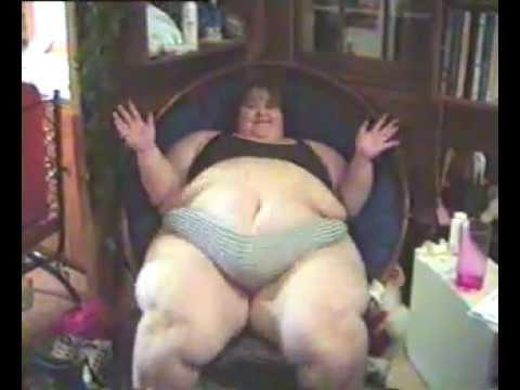 Секс с жирных женщин лаская себя видео плеч