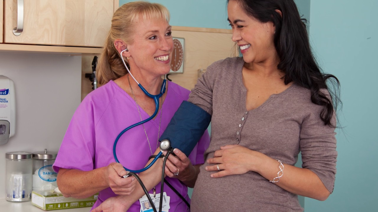 como bajar la presion arterial en el embarazo