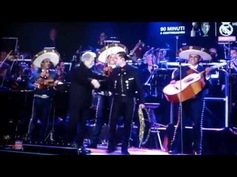 Alejandro Fernández en el homenaje de Plácido Domingo