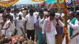 CM KCR Attend to Vemula Surender reddy Funeral