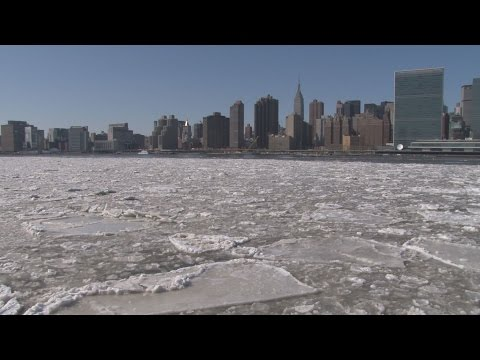 VERY Rare Ice Flow | Ice Jam on the East River NYC- 2/20/2015