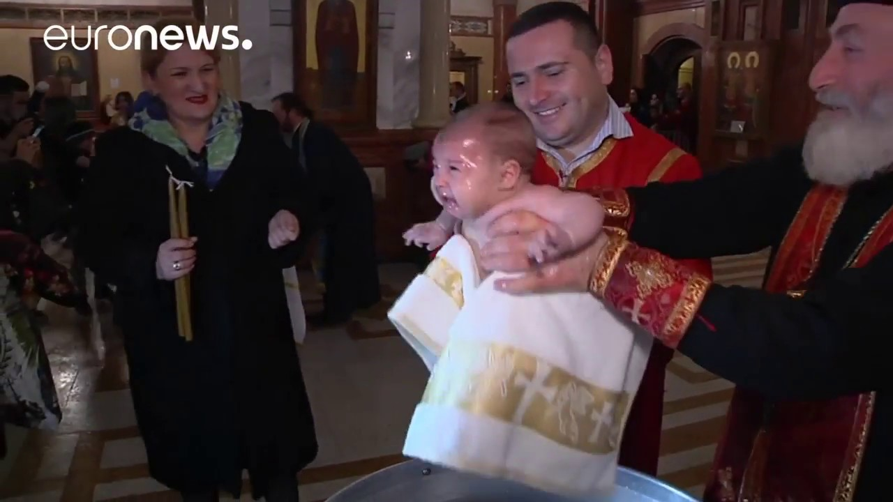 Georgien Taufe Mit Schwung