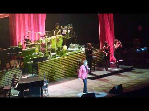 Barry Manilow 04 Bermuda Triangle (The O2 Arena London 26/05/2014)