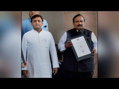 Deepak Singhal sacked from the post of chief secretary in UP।  वनइंडिया हिंदी