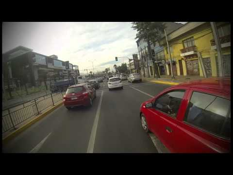 Paseo en bicicleta por Santiago de Chile hora Peak (GoPro)