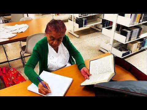 Elvia Martínez, estudiante de 63 años de edad en el CCH Sur - UNAM Global