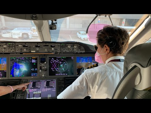 Think Pink with an all-female crew flight onboard the Boeing 787 Dreamliner | Qatar Airways