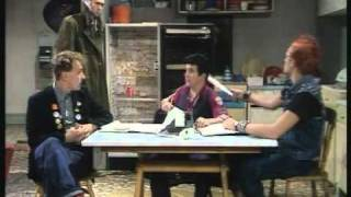 (1/2) The Young Ones - Flood (S01 E06)
