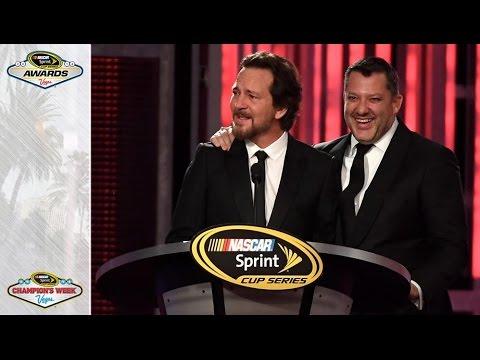 Pearl Jam's Eddie Vedder honors Stewart
