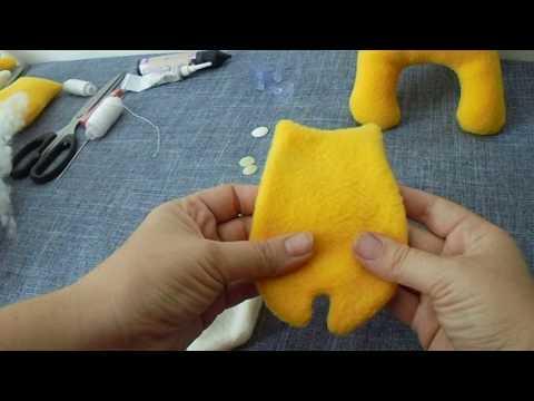 Котик из флиса. Сувенир - игрушка 1 часть