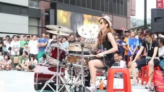 Drummer hebat plus cantik lagi,,,
