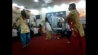 "Sakiya re,Sheila ki jawani,Oksana Rasulova with ""Chandramukhi"" qroup"