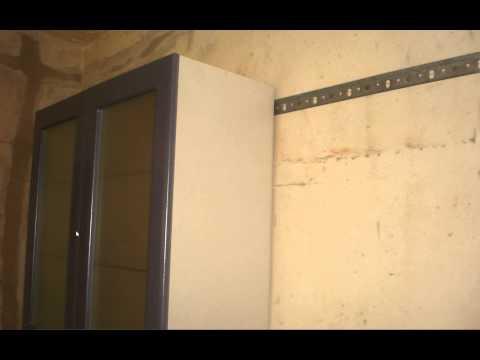 Навешивание шкафов с помощью монтажной планки и универсальных навесов