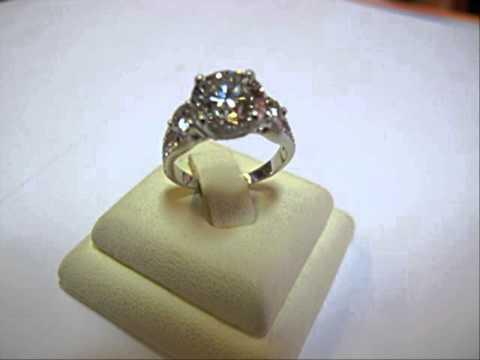 ดูแบบแหวนพลอย เพชรเจียระไน