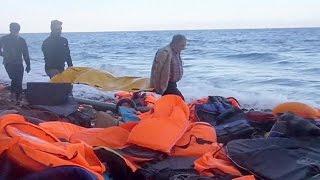 В Средиземном море погибли по меньшей мере 20 мигрантов(Отчаянные попытки проникнуть в Европу через Средиземное море вновь и вновь завершаются трагедией. В воскр..., 2015-11-01T16:53:39.000Z)