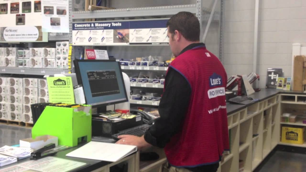 On the job: Lowe's pro services specialist - YouTube