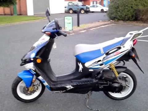 1999 suzuki ay 50 wrw katana r lc 50mph scooter new mot. Black Bedroom Furniture Sets. Home Design Ideas