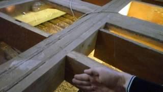 видео Ремонт аварийного потолка в летней кухне