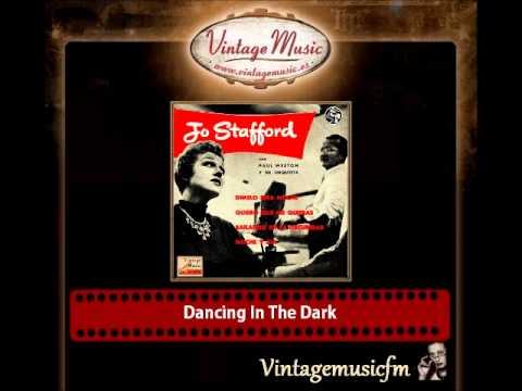 Jo Stafford – Dancing In The Dark