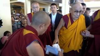 """Далай-лама. Учение по """"Мадхьямака-аватаре"""" Чандракирти - Первый день"""