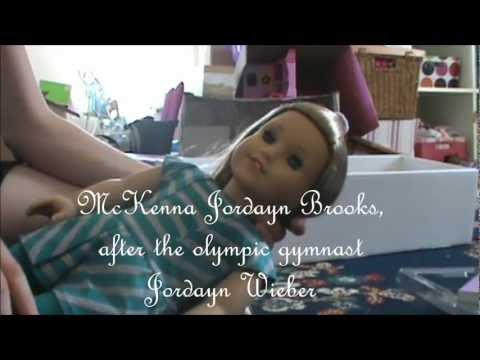 Opening American Girl Doll McKenna!