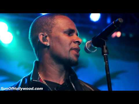 """R. Kelly Performs Live At The LVH Casino In Vegas """"I Believe I Can Fly"""""""