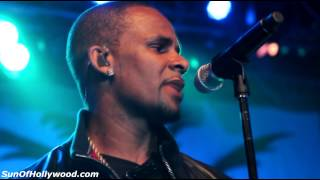 "R. Kelly Performs Live At The LVH Casino In Vegas ""I Believe I Can Fly"""