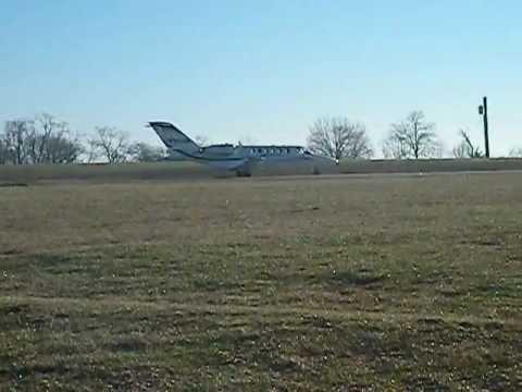 Cessna Citation CJ2 Lands at Lebanon-Warren County Airport (I68)