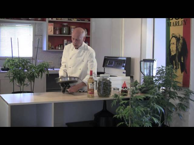 How to Brew Cannabis Tinctures (Eyedroppers Full of Happiness)