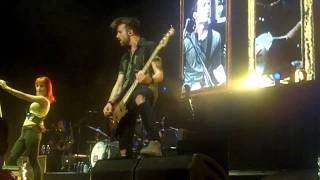 Paramore - Honda Civic Tour Playing God LIVE w/ lyrics