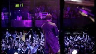 Oasis - Champagne Supernova - Live At iTunes Festival 2009