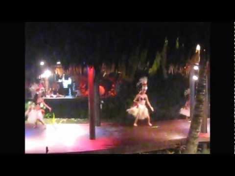 Te Vara Nui Village over water night show