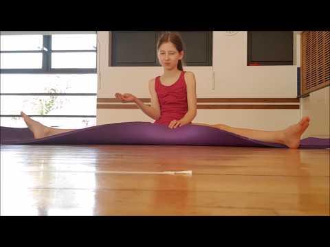 Technique class - training Ballet stretches, Flexibility Dance with Mum