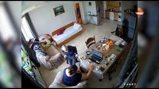 Издевательства сиделки над пенсионером(Семья больного пенсионера из Чеховского района в Подмосковье пришла в ужас, увидев камеры наблюдения, сняв..., 2016-05-26T13:05:47.000Z)