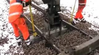 Repeat youtube video Как меняют шпалы на железной дороге