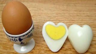 Лайвхак! Как сварить яйца в форме сердец! Полезные советы ЛАЙФХАК(Как научится готовить быстро, просто и вкусно? Мы в сетях - не пропустите полезные советы и конкурсы Однокла..., 2014-11-22T19:09:59.000Z)
