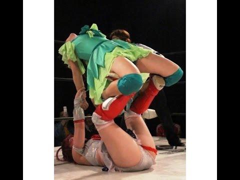 女子高生レスラーにつり天井固め