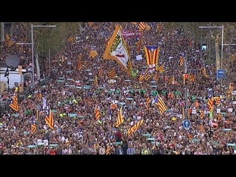 Barselona Katalanlar özgürlük için yürüdü