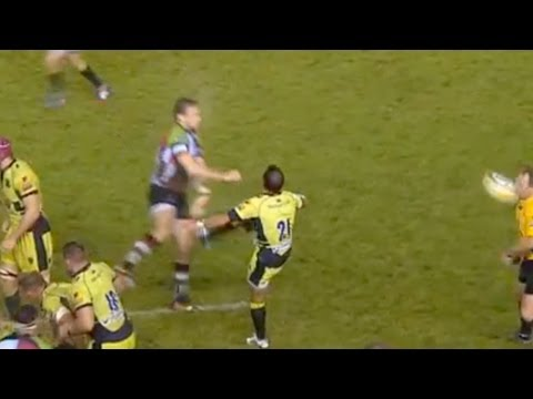Rugby ball hits ref in the face - Harlequins vs Northampton Saints