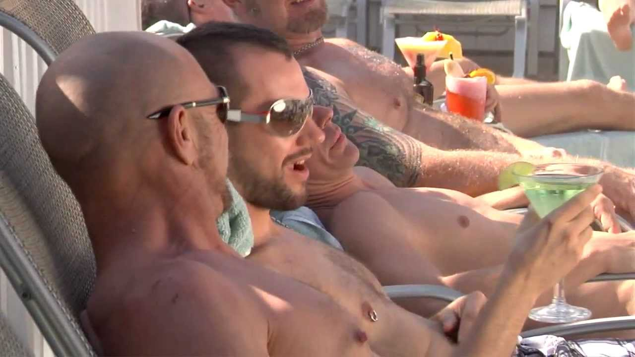 naked men in key west