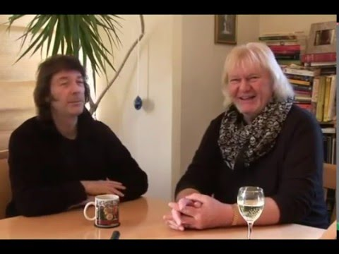 Steve Hackett - Chris Squire (Bonus Interview) [The Man, The Music]