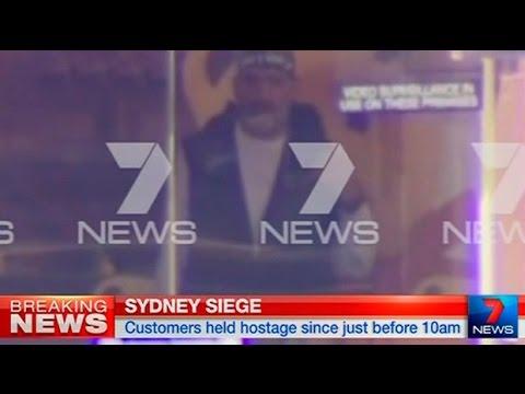 Sydney siege: 'Islamist gunman' holds hostages inside cafe