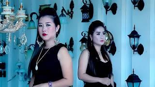 Tsis pom qab tu siab (Official Music Video) - Npaub Thoj & Nyiaj Vwj
