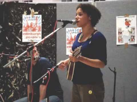 Lisa Paton of Townhouse sings 'Freedom Come All Ye'
