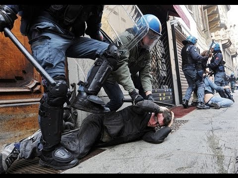 ITALY RIOTS: Students Protest AUSTERITY CUTS. VIOLENT Clashes With POLICE