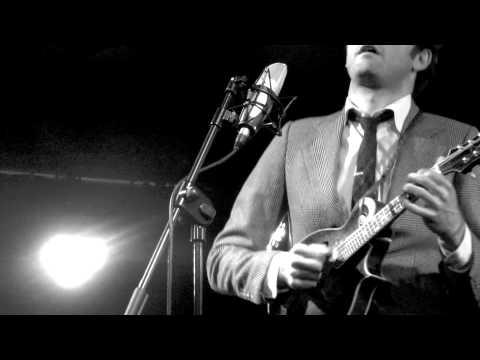 Chris Thile sings Josh Ritter's 'Another New World' @ Whelan's - Dublin, IE, 14 September