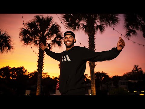J.D. Martinez Shows Off His Stunning Backyard And 'The J.D. Room' | Boston Red Sox Cribs