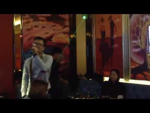 Karaoke fail in Shenzhen/China