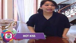 Asissten Rumah Tangga Mudik, Iis Sugianto Bersihkan Rumah Sendiri - Hot Kiss