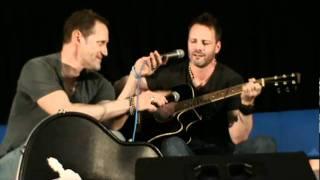 Ryan Robbins singing Hallelujah (Armageddon Convention Sydney)